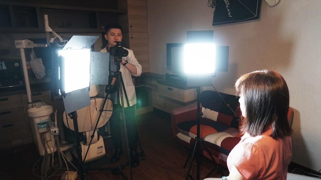為什麼需要DSD數位微笑設計-為患者進行影像紀錄
