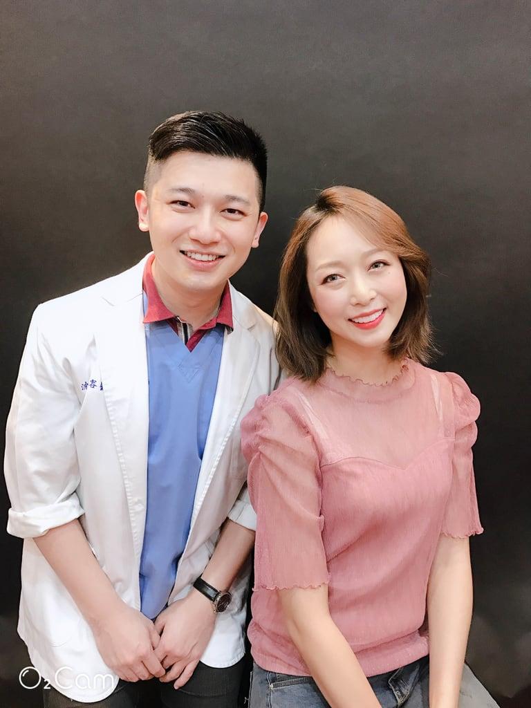 前牙美學專家-沈志容醫師推薦案例-網紅克萊兒牙齒美白全記錄-與沈醫師合照