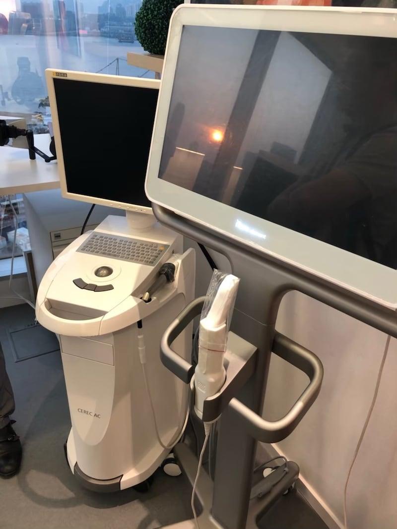牙齒美白-香港牙醫價格-台灣全瓷冠瓷牙貼片推薦-當代牙醫與香港美學牙科中心同步採用全套數位設備